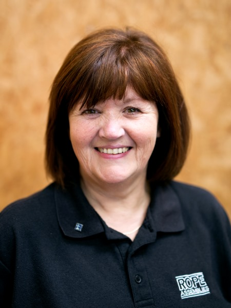siobhan-hitchen-managing-director